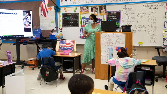 Hybrid Teaching Strategies for Elementary Classrooms